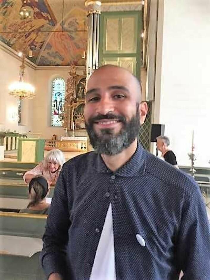 Applausen ville ingen ende ta i domkirken etter Thee yezens tale. Foto: Kjersti Opstad