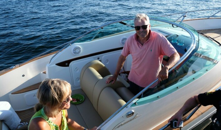 Båteier Fridtjof Falck (62) er svært godt fornøyd med at politiet tester promille også på sjøen. Foto: Christian Boger