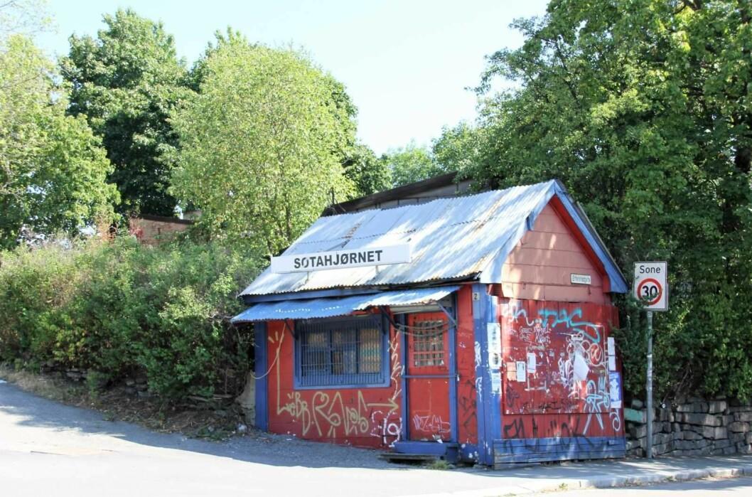 Den tradisjonsrike kiosken ved Sotahjørnet vil rives i forslaget til ny bebyggelse i Etterstadveien 2-6. Foto: Per Øivind Eriksen / Ensjø aktuell informasjon