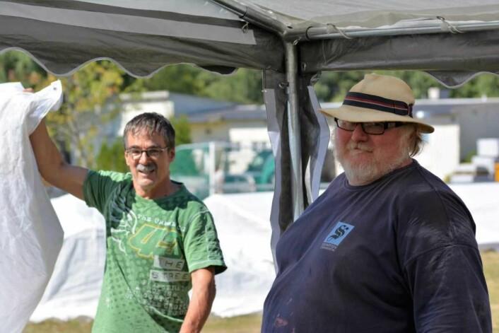 Ullrich Thallemer (til v.) og Chris Fleurie er blant dem du kan se i aksjon under helgas steinhuggerfestival på Grorud. Foto: Olga Andresen