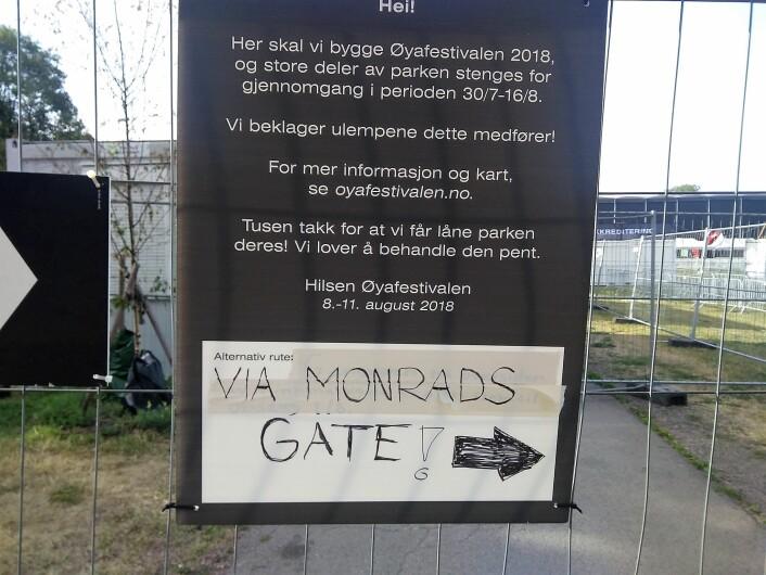 Når dette skiltet kommer opp, må naboene gå en stor omvei rundt parken. Foto: Arnfinn Pettersen,