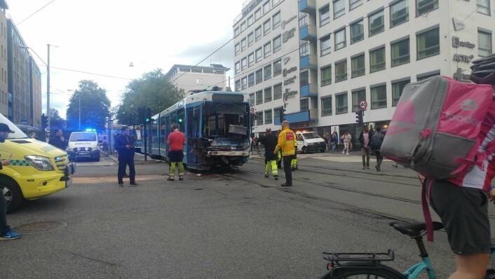 Trikken ble smadret i ulykken. Foto: Abdurrahim Günaydın