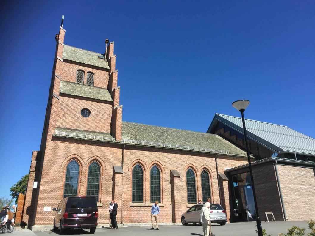 Nordstrand kirke ble bygget og 1866 og er bygget om en rekke ganger. Foto: Kjersti Opstad