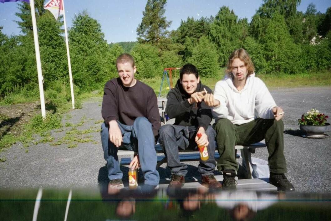 Jarle «JJ» Hollerud (f.v.) og Øyvind «Vinni» fra tiden i bandet Mindstate. Senere dannet de to Paperboys. Til høyre: Espen Staver. Fotograf og bandmedlem i Mindstate: Stephen Waireri