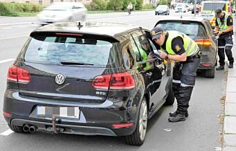Skolestart: 17 bilførere tatt for ulovlig bruk av mobiltelefon ved Ila skole