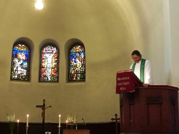 Sogneprest Tor Even Fougner brukte Lukas evangelium for å illustrere likestilling i kirken. Foto: Kjersti Opstad
