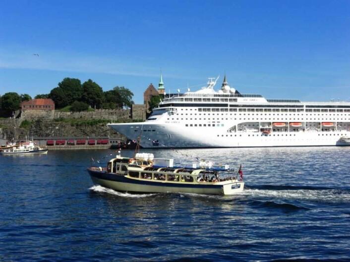 Cruiseskip foran Akershus festning. Foto: VisitOSLO/Mathilde Rübberdt