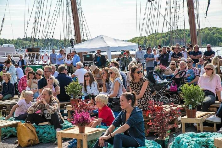 Folksomt i det fine været under Passion4Ocean festivalen på Vippetangen i år. Foto: Passion4Ocean