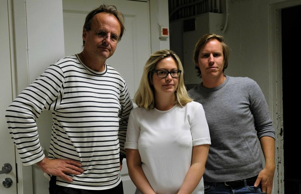 Naboene Håkon Wium Lie (t.v), Mirijam Abrahamsen og Gjermund Granlund vil kjempe mot Bane NORs utbyggingsplaner i Brynsbakken til siste ankemulighet er oppbrukt. Foto: Christian Boger
