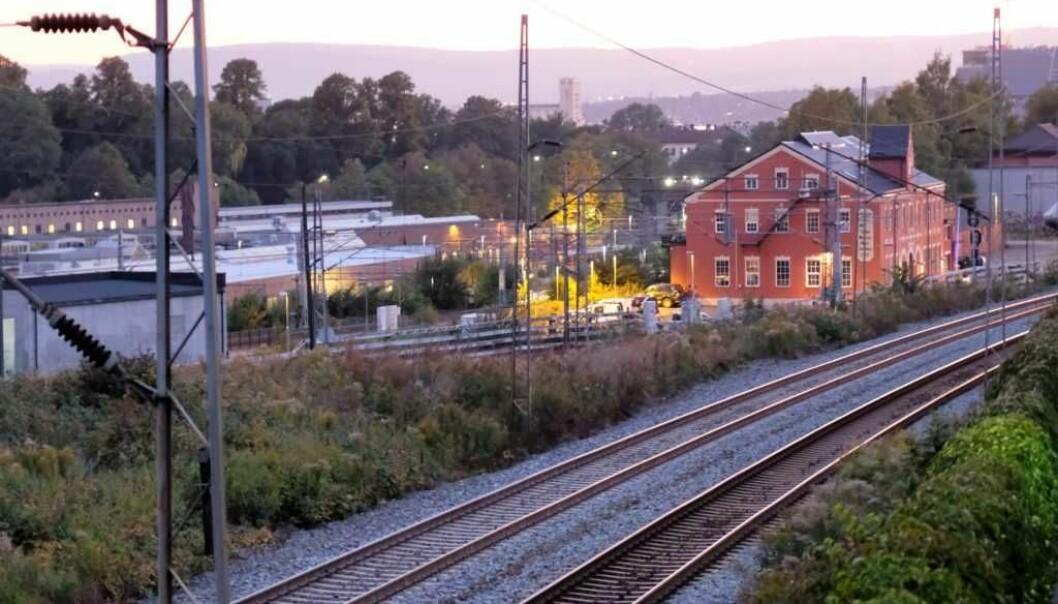Kapasiteten på togsporene i Brynsbakken er i dag oppbrukt. Derfor ønsker BaneNor å bygge to nye spor.