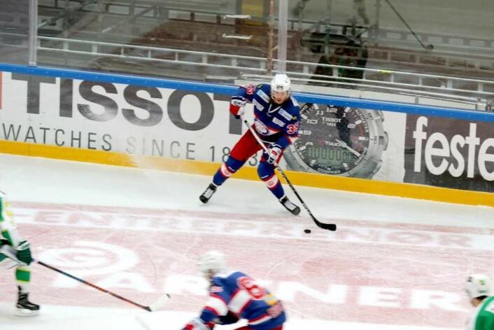 Martin Laumann Ylven klinker til. Foto: Atle Enersen