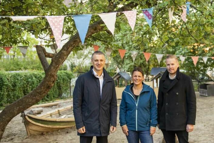 Kjetil Lund (f.v), Kristin Hoen og Ola Bertnes Strømme. Enhetsleder Strømme gleder seg over satsingen i bydelen. Foto: Morten Lauveng Jørgensen