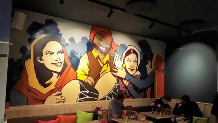 Fresht og funky på nye Punjab Tandoori, med veggkunst av grafittikunsteren Gnouchi. Foto: Tarjei Kidd Olsen
