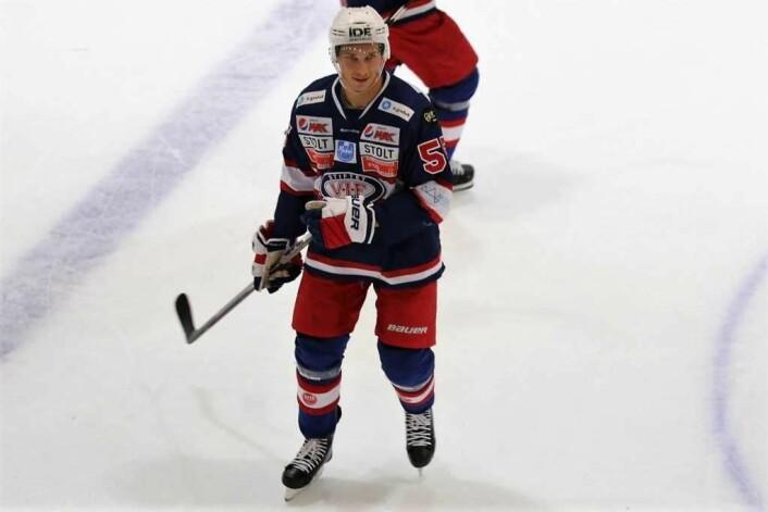 Brede Frettem Csiszarnærmer seg raskt toppen av tabellen over spillere som har spilt flest kamper for VIF hockey. Foto: Atle Enersen