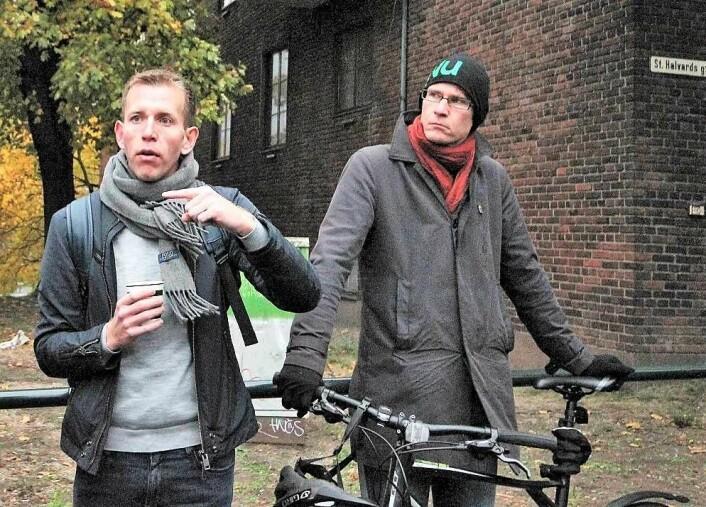 Både lokalpolitiker Steinar Heldal (SV) og byrådssekretær for mijø og samferdsel Daniel Rees (MdG) støtter kravet om fartsreduserende tiltak i Strømsveien. Foto: André Kjernsli