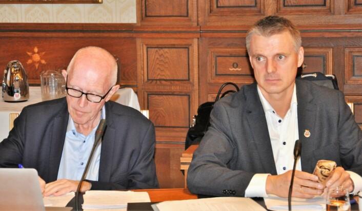 � Jeg holder alle muligheter åpne, men har fortsatt tillit til styreleder Øyvind Christoffersen (til venstre i bildet) og resten av styret i Omsorgsbygg, sier eierskap- og næringsbyråd Kjetil Lund (Ap). Foto: Arnsten Linstad