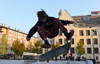 En ny skatepark er åpnet ved Colosseum kino. Skal være for både småtasser med skrubbsår på knærne og for veteraner
