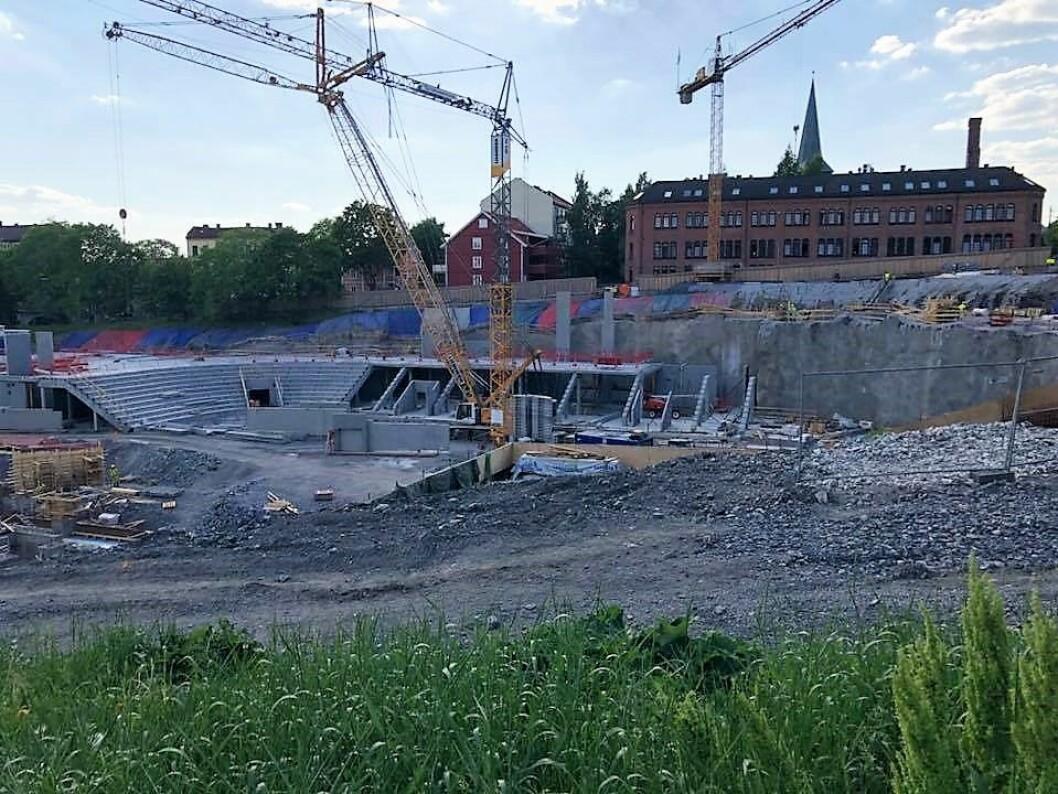 Nye Jordal Amfi er vel to år forsinket og vil stå ferdig 20. mai i 2020 melder nå kultur- og idrettsbygg. Foto: Tor Arild Hansen