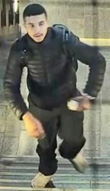 Ukjent mann etterlyses etter drap og ran. Foto: Politiet