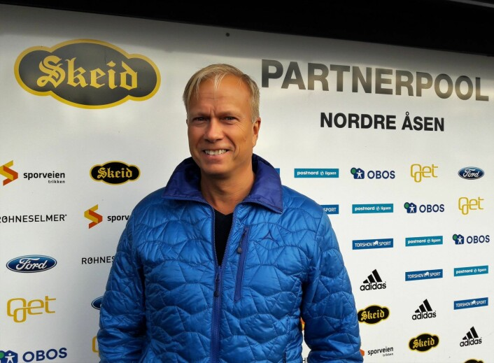 Styremedlem Erling Geir Iversen i Skeid forteller at det er viktig for hele klubben at Skeidbanen forblir hjemmebane også neste sesong.Foto: Anders Høilund