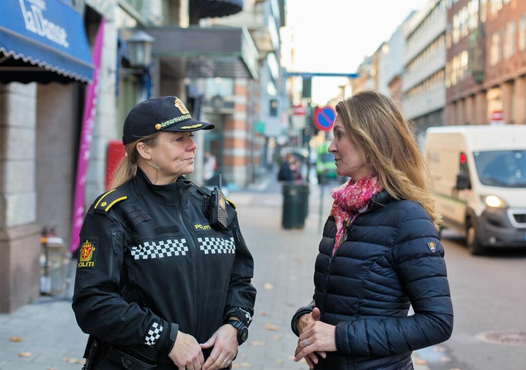 � Dette problemet er det kommunen og ikke politiet som kan løse, sier politioverbetjent  Mari Engestøl Røgeberg til leder i Kvadraturforeningen, Bente Bøhler. Foto: Stig Jensen