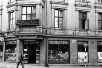 Sol Cigar på 50-tallet, på daværende adresse, Drammensveien 8. Foto: Ukjent/Norsk folkemuseum