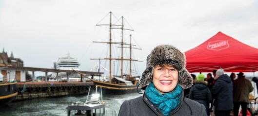 Aps helsebyråd Tone Tellevik Dahl døpte Frelsesarmeens nye båt. Men står fast på millionkutt til armeens rusomsorg