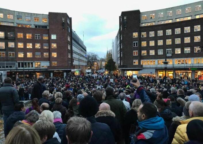 I fjor ble Frithjof nansens plass fylt til randen av bomaksjonister. Men det ventes enda flere når det inviteres til både nissfest og demonstrasjon 29. november. Foto: Morten Lauveng Jørgensen
