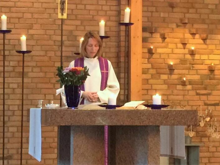 Sogneprest Kjerstin Jensen holdt dagens preken. Foto: Kjersti Opstad