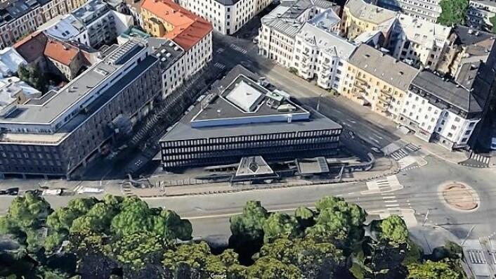 Henrik Ibsens gate 48 ble bygget som USAs ambassade i 1959. Nå er det Fredensborg AS som er eier. Faksimile Google Maps