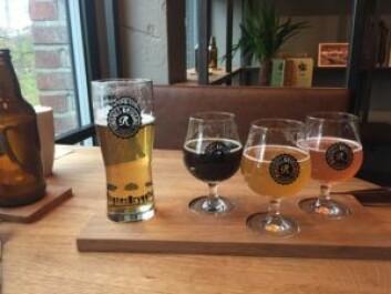 Full planke med øl. Foto: Tor A. Svendsen