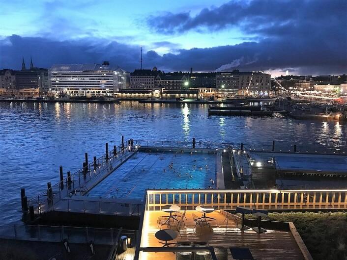 Allas utendørs, flytende helårs-sjøbad i Helsingfors havnebasseng. Foto: Ninara/Flickr
