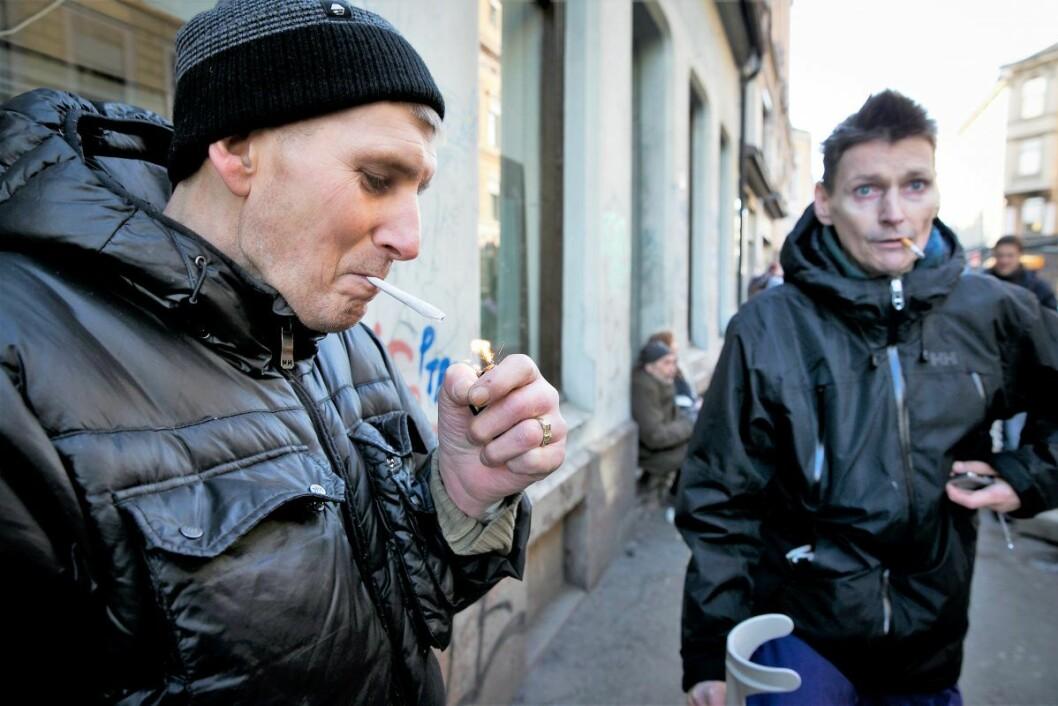Rusmisbruker Martin (tv) og Per Otto Moldenhaugen har klare meninger om narkotikapolitikken i hovedstaden. Foto: Heiko Junge / NTB scanpix