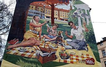 Sceneskifte på en av Oslos mest kjente vegger. Mills har overtatt «Freiaveggen» på Schous plass