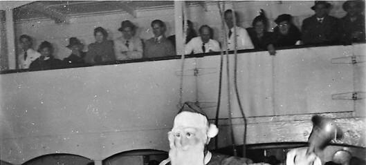 Julenissen kom med Amerikalinjen. Kaia var stappfull av folk og stemningen elektrisk