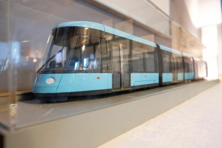 En modell av de nye trikkene, SL18, som skal kjøpes inn til Oslo fra 2020 til 2024. Foto: Håkon Mosvold Larsen / NTB scanpix