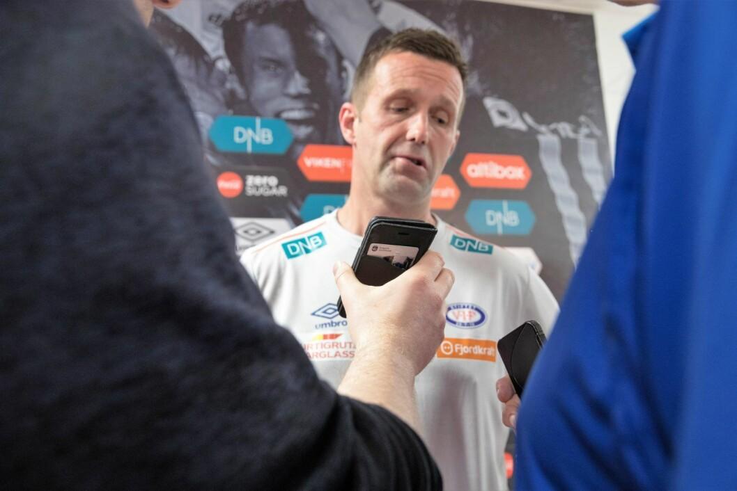 Sjetteplassen til tross har Vålerenga-trener Ronny Deila måttet svare på mange kritiske spørsmål fra presse og supportere denne sesongen. Foto: Terje Pedersen / NTB scanpix
