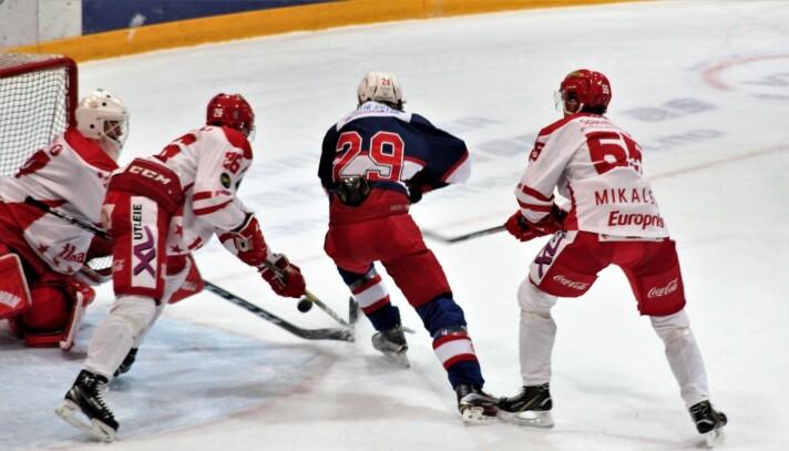 Debutanten Calle Spaberg Olsen viste ingen respekt mot A-laget til Stjernen.