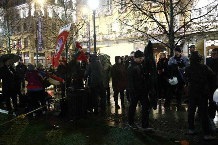Innvandringsmotstandere demonstrerer mot FNs Global Compact for Migration i Oslo, den såkalte Marrakech-avtalen som signeres av medlemslandene i Marokko 10. og 11. desember. Foto: Terje Pedersen / NTB Scanpix
