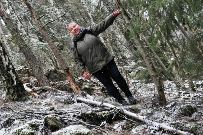 Her poserer den ene av artikkelforfatterne i det som har vært en bratt hoppbakke. Foto: Katja Johanne Pihl