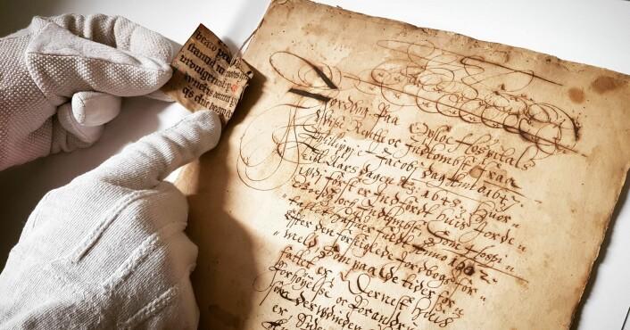 Oslo Hospitals jordebok fra 1648 er en oversikt over eiendommer hospitalet eide og hva de som drev gårdene skyldte i naturalia hvert år. Foto: Kulturetaten