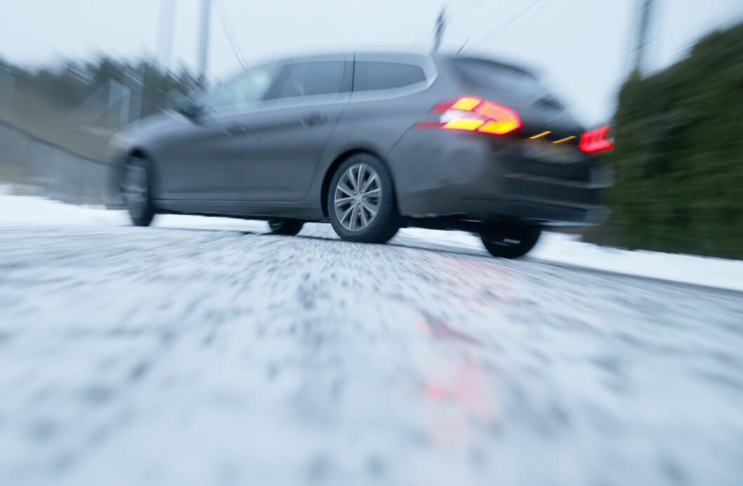 Mildværet på Østlandet har ført til meget glatte veier. Foto: Terje Pedersen / NTB scanpix