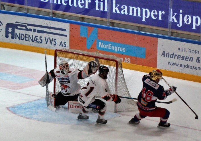 Frisk-keeperen i full strekk. Foto: André Kjernsli