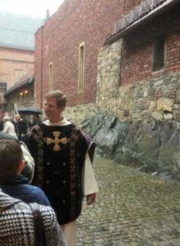 Prest Trygve Tyreid sier takk for denne søndagen. Foto: Kjersti Opstad