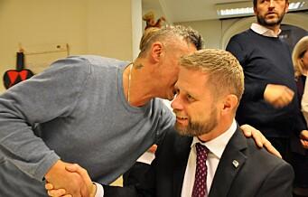 Helseminister Bent Høie (H) gir tre millioner kroner til Frelsesarmeens Jobben.