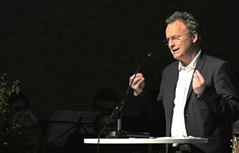 Raymond Johansen i 2016: Roser Frelsesarmeens Jobben. Raymond Johansen i 2018: Vil ha millionkutt som truer Jobbens eksistens