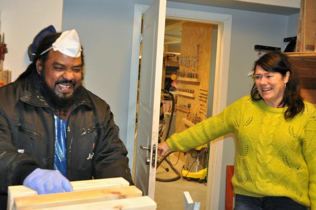 � Omar er utrolig omsorgfull og bryr seg om alle her på Jobben, sier daglig leder Jorunn Mathisen om en av veteranene ved arbeidstiltaket i Arups gate. Foto: Arnsten Linstad