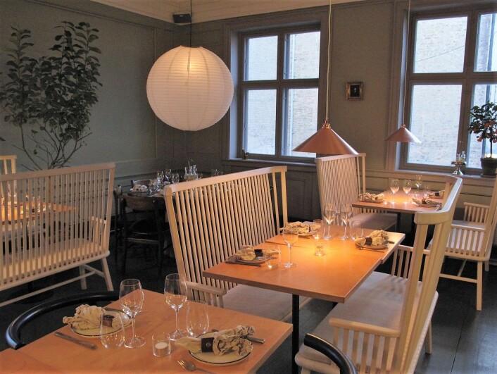 Lyse møbler og bord uten tunge duker. Foto: Tor A. Svendsen