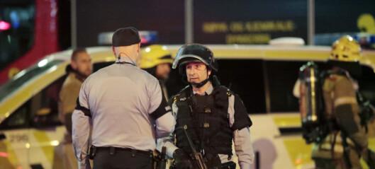 Bombedømt 18-åring saksøker staten. Utvisning til Russland blir utsatt