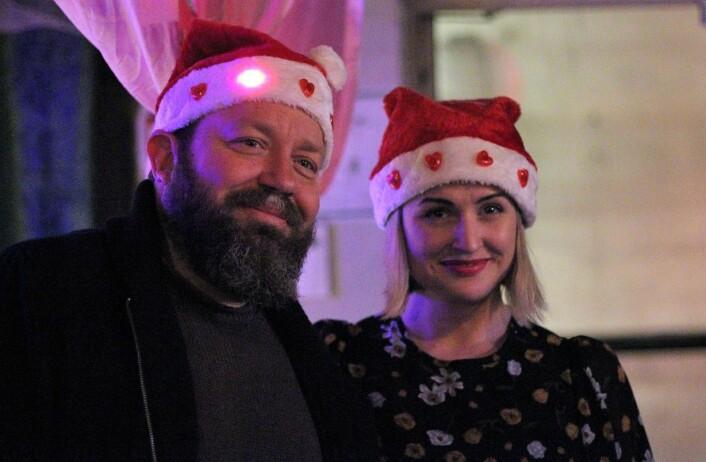 Even Skyrud og Karoline Aanesen fra Erlik Oslo hadde fått nisslua på plass. Foto: André Kjernsli